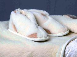 Домашние тапочки с закрытым задником с верблюжьей шерстью